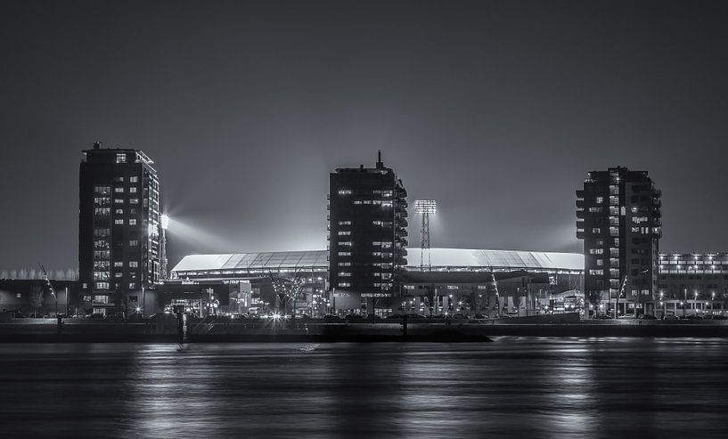 Feyenoord Stadion De Kuip während eines Europa League Abend (schwarzweiß) von Tux Photography