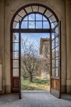 Doorkijkje naar een Italiaanse tuin von Manja van der Heijden