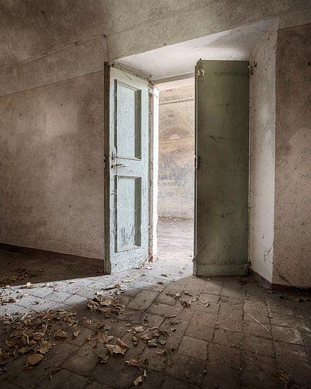 Licht door de openslaande deuren