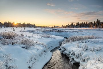 Zonsondergang in Härjedalen, Zweden van Marco Lodder