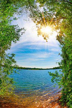 Blauw meer in de zomer van Günter Albers