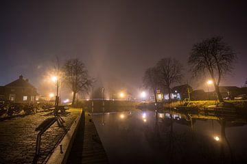 Brug in de mist over kanaal van Maurice Hamming