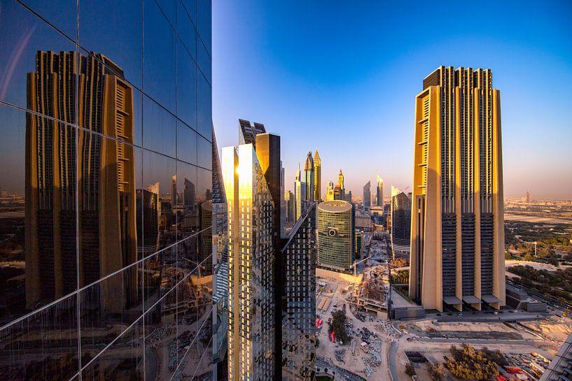 Dubai kantoorreflectie van Rene Siebring