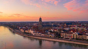 Deventer, Sonnenuntergang in Overijssel von Thomas Bartelds