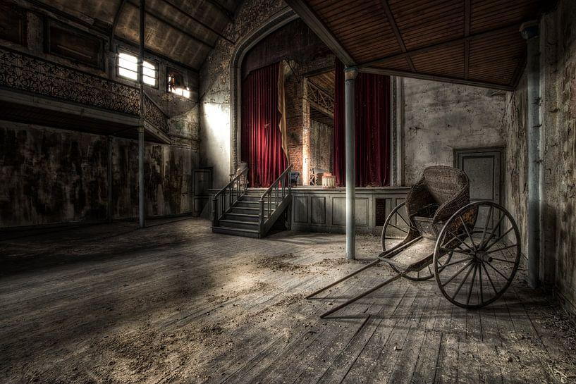 Theatre Bizar van Esmeralda holman