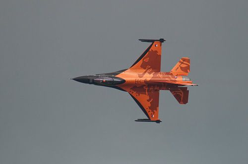 F-16 tijdens een demonstratie van Tammo Strijker