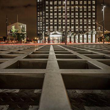 Leading lines, Wilhelminaplein Rotterdam van Peter Hooijmeijer