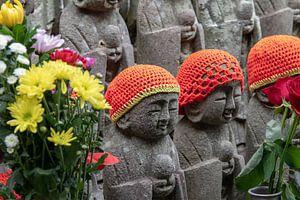 Beeldjes in de Hasedera tempel in Kamakura, Japan