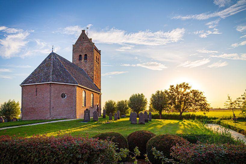 Bartholomeuskerk in Westhem in Friesland, Nederland van Hilda Weges