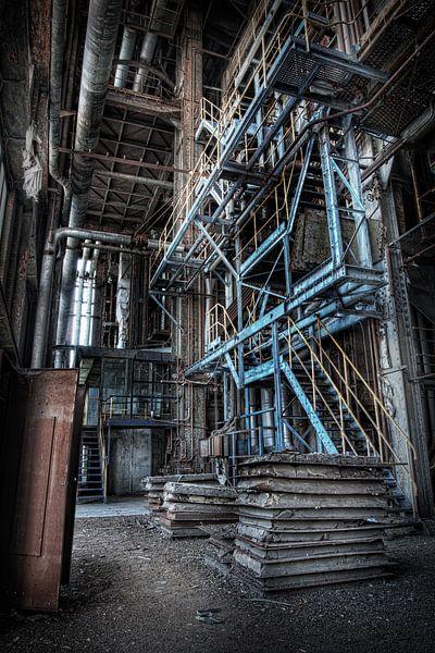 Verlaten energiecentrale 7 van Eus Driessen