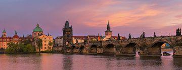 Panorama van de Karelsbrug in Praag van Henk Meijer Photography