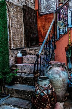 Kleurrijke opgang naar woning