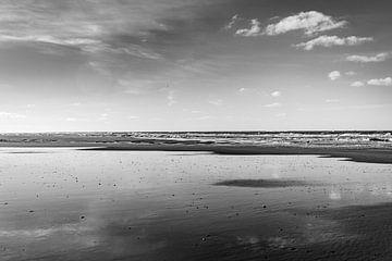 Ruhige Wellen an der Küste von Noordwijk von Linsey Aandewiel-Marijnen