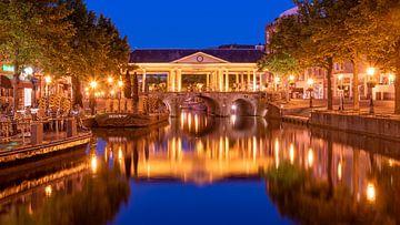 Leiden Boterbrug bij schemering van Erik van 't Hof
