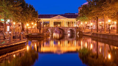 Leiden Boterbrug bij schemering