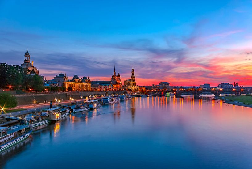 Old Town waterfront of Dresden, Germany van Ullrich Gnoth