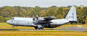 """KLu Hercules transportvliegtuig G-275 """"Joop Mulder"""" van"""