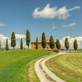 Landhuis in de buurt van Pienza in Toscane van Michael Valjak
