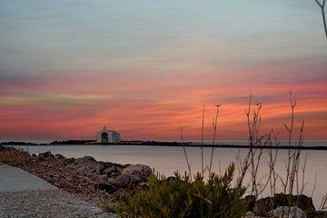 Agios Nikolaos Kapelle bei Sonnenuntergang von Christian Klös