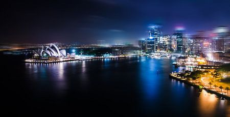 Sydney Cove in motion