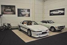 Klantfoto: Oude auto in vervallen garage van Inge van den Brande