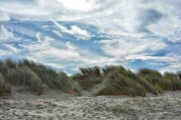 Dünen und Wolken im Wind von Joachim G. Pinkawa