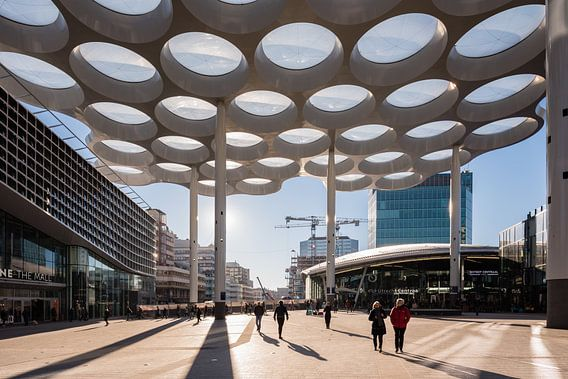 Das Lampendach mit Hoog Catharijne und Hauptbahnhof, Utrecht