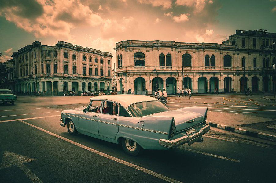 Vintage car in Havana - Cuba van Joris Pannemans - Loris Photography