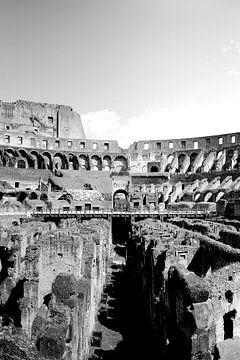 """Drieluik """"inside the Colosseum"""" 02 van 03 van Gert-Jan Besselink"""