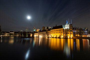 Hofvijver bij maanlicht van Yolanda Hubert-Raaphorst