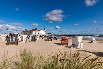 Seebrücke Ahlbeck auf der Insel Usedom von Werner Dieterich