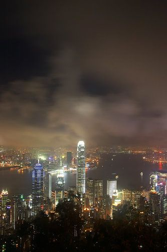Hong Kong by night van