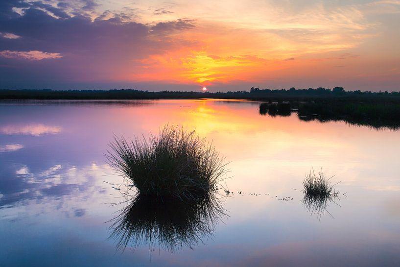 Zonsondergang over de Onlanden van Evert Jan Luchies