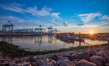 Haven Rotterdam van Dirk Keij-Bron
