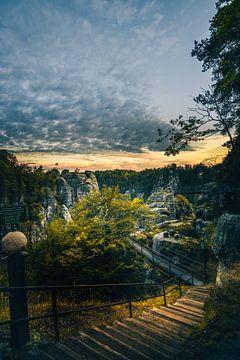 Elbsandsteingebirge am Morgen, Wege und Treppen von Jan Wehnert