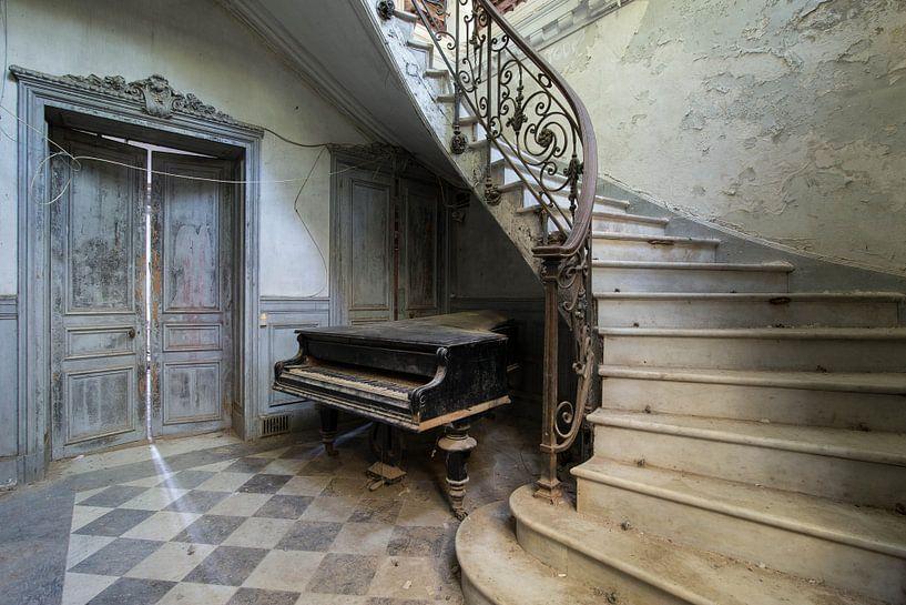 Play us a Tune! van Oscar Beins