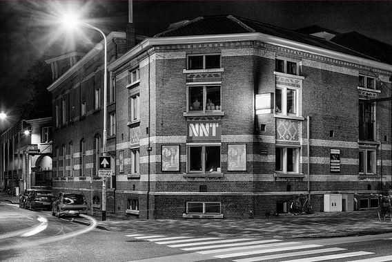 De Machinefabriek in de stad Groningen (zwart-wit)