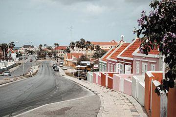 Curaçao - Gekleurde huisjes in Willemstad van Rowenda Hulsebos