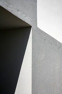 Grafisch lijnenspel in hoekmuur - rechthoekig