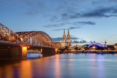 Köln am Abend von