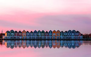 Roze zonsondergang over de regenboog huizen, Houten van