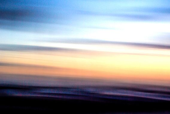 Sylt: Movement (North Sea at sunset) van Norbert Sülzner