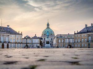 Het plein van Amalienborg Royal Palace . Copenhagen, Denmark, zonsopgang