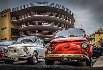 decayed Fiat 500's in Rome sur juvani photo
