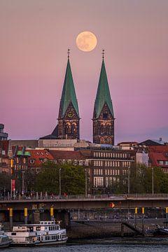 Volle maan boven Bremen van Michael Abid