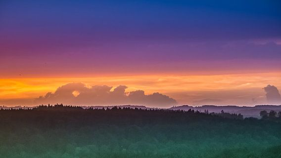 Sonnenuntergang Oberbayern van Holger Debek