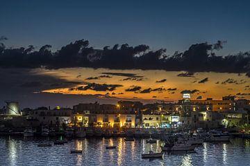 Zonsondergang in Lampedusa van Elianne van Turennout