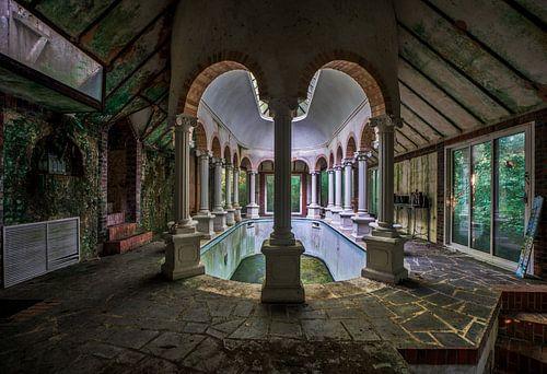 foto van een prive zwembad. van levaronne lourens