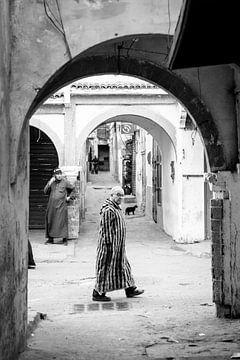 Lopen door Essaouira van Ellis Peeters
