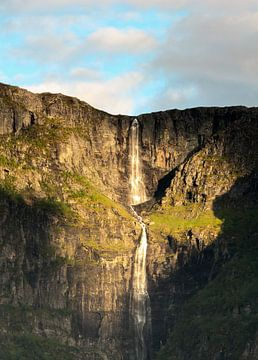 goldener Wasserfall von Nico Olsthoorn